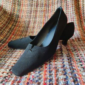 STUART WEITZMAN Black Kitten Heel Pumps